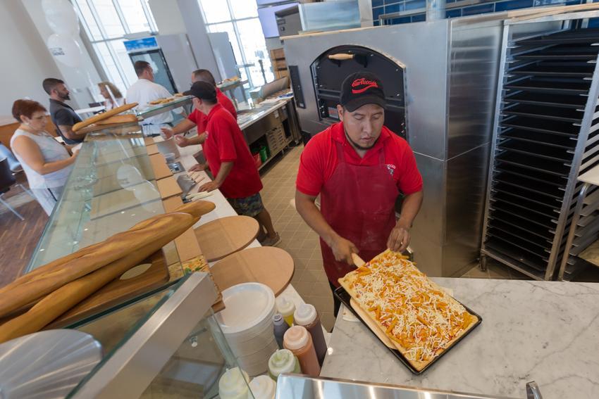 Carluccio's Pizza