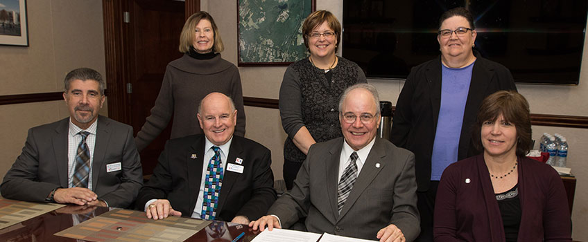 Stockton, Atlantic Cape Sign Partnership in Hospitality Studies for A.C.