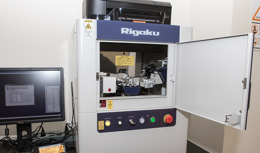 Image of Rigaku MiniFlex 600 X-ray Diffractometer (powder) with 6-sample changer